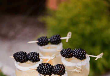 Champagne-and-Fruit