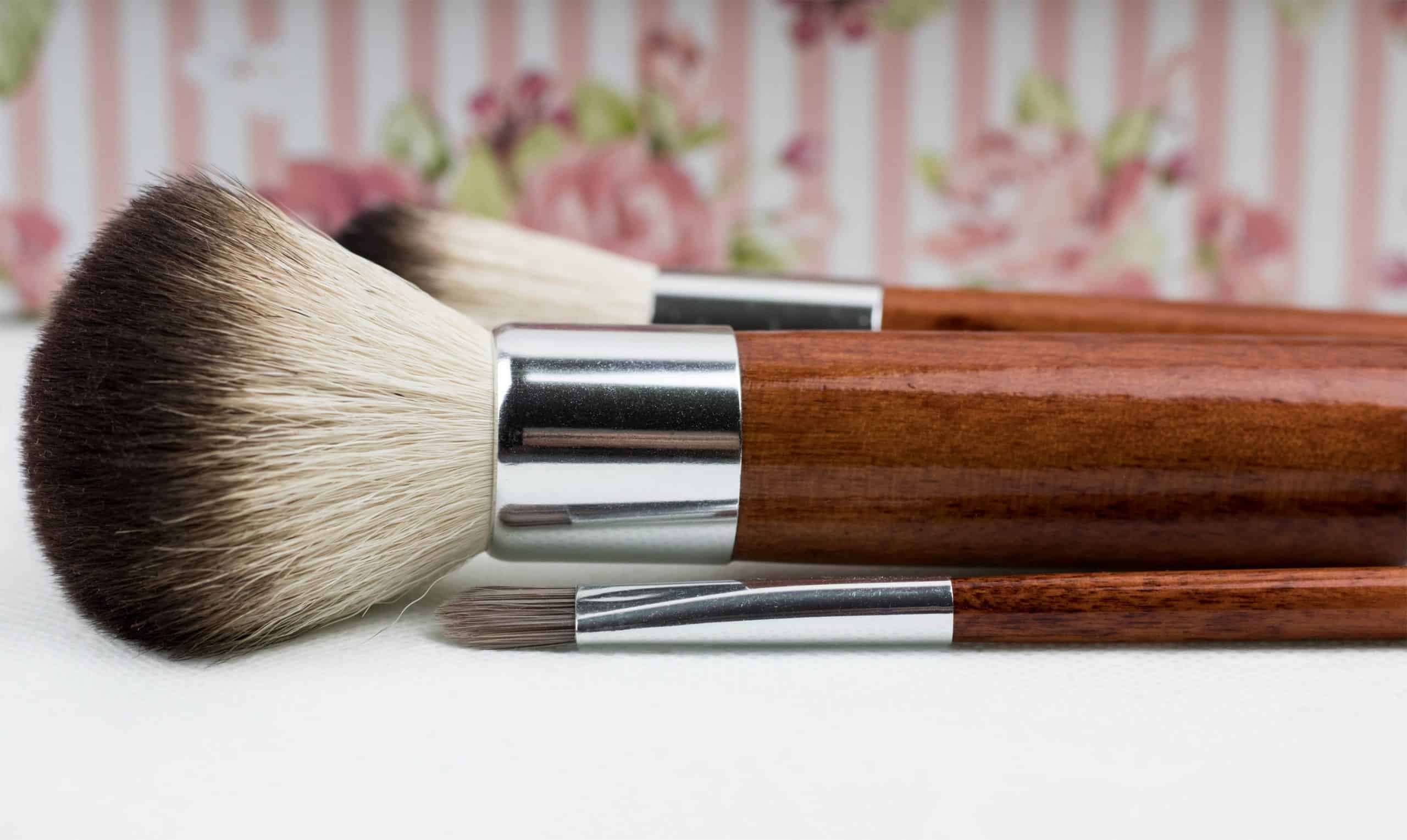 Makeup Brushes - Featured Image