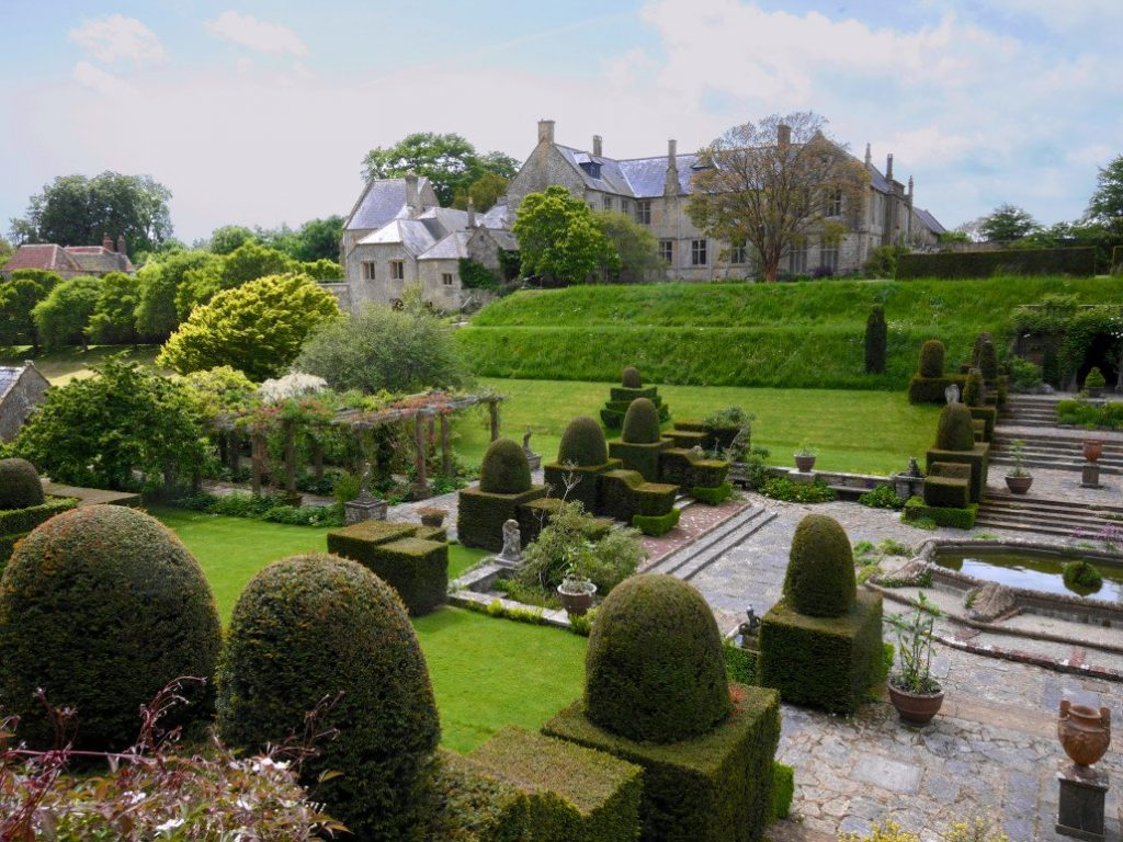 Manor and Gardens